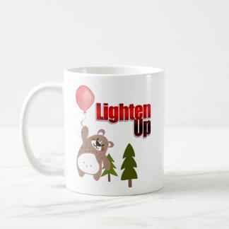 Caneca De Café Ilumine acima o urso com balão