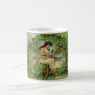 Caneca De Café Ilustração do vintage da menina pequena doce do