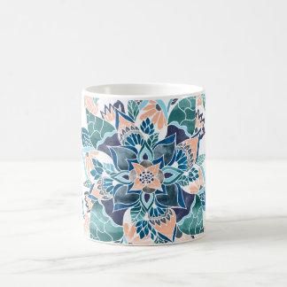 Caneca De Café Ilustração floral da aguarela azul coral moderna