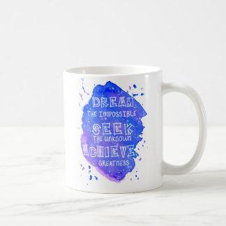 Caneca de café inspirada das citações da aguarela