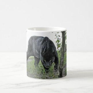 Caneca De Café Jaguar preto que desengaça a imagem panorâmico da