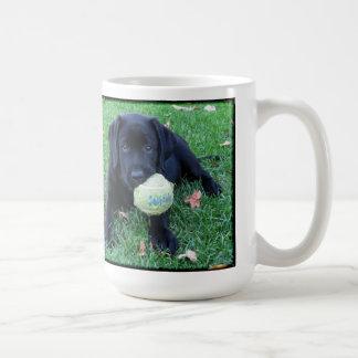 Caneca De Café Labrador preto - bola do jogo