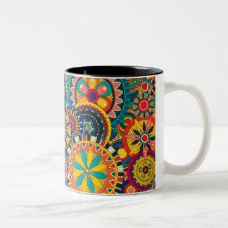 Caneca de café louca das cores