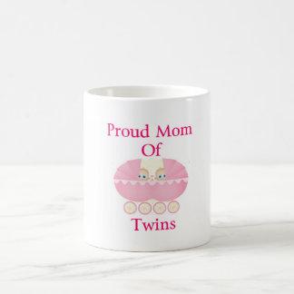 Caneca De Café Mamã orgulhosa de meninas gêmeas