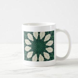 Caneca De Café Mandala. da folha verde e de prata de Sacramento