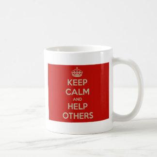 Caneca De Café Mantenha a calma e ajude outro