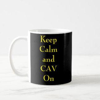 Caneca De Café Mantenha a calma e o CAV em Mub