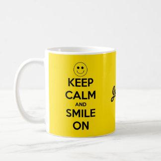 Caneca De Café Mantenha a calma e sorria no amarelo