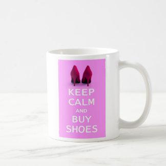 Caneca De Café Mantenha calmo e compre calçados