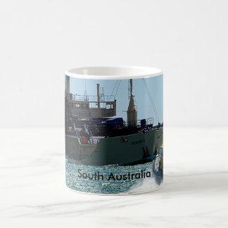 Caneca de café marítima da reunião