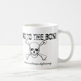 Caneca De Café Mau ao osso… devido a uma deficiência do cálcio