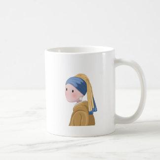 Caneca De Café Menina com um brinco da pérola