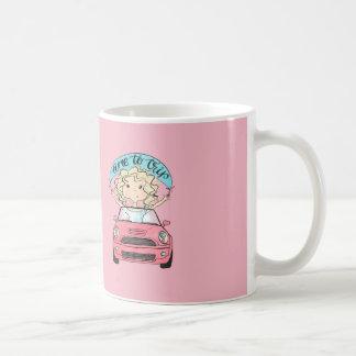 Caneca De Café Menina que conduz um carro