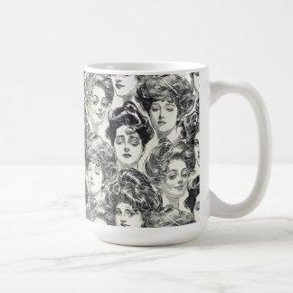 Caneca De Café Meninas de Gibson por Charles Dana Gibson cerca de