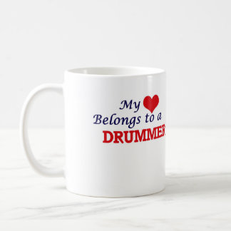 Caneca De Café Meu coração pertence a um baterista