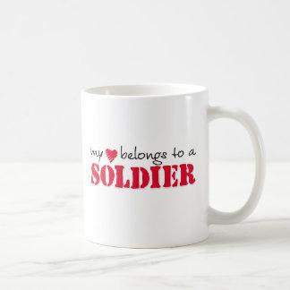 Caneca De Café Meu coração pertence a um soldado