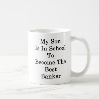 Caneca De Café Meu filho está na escola a transformar-se o melhor