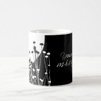 Caneca De Café Milagre da recuperação, preto e branco