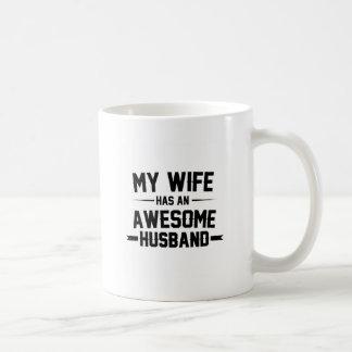Caneca De Café Minha esposa tem um marido impressionante