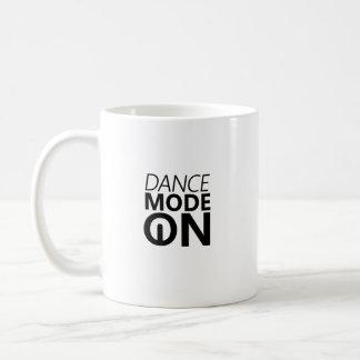 Caneca De Café Modo da dança do presente da dança sobre