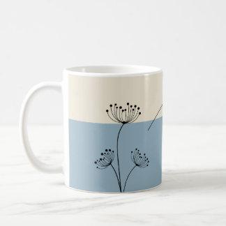 Caneca De Café Monograma, floral azul da ardósia moderna