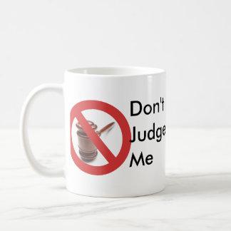 Caneca De Café Não me julgue agredir