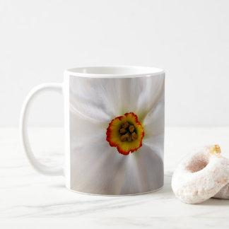 Caneca De Café narciso do branco da pérola
