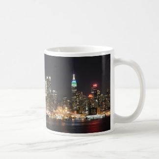 Caneca De Café Noite da skyline de Manhattan New York