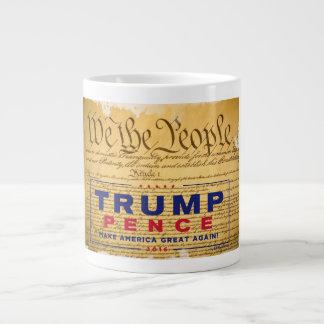"""Caneca de café; """"Nós as pessoas"""" das Trunfo-Moedas"""
