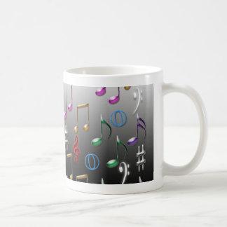Caneca De Café Notas musicais coloridas no fundo cinzento