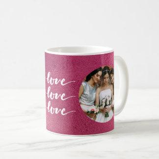 Caneca De Café O amor, amor, ama a imagem cor-de-rosa elegante da