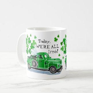 Caneca De Café O caminhão do vintage do verde do dia de St