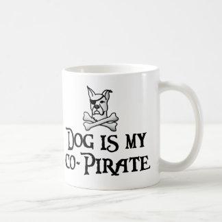 Caneca De Café O cão é meu co-pirata