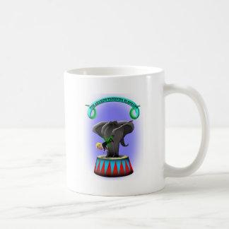 Caneca De Café o elefante trumping de surpresa
