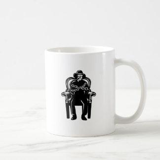 Caneca De Café O homem amordaçou acorrentado ao Woodcut grande da
