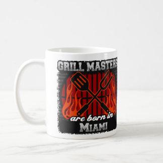 Caneca De Café O mestrado da grade é nascido em Miami Florida
