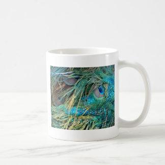 Caneca De Café O pavão masculino empluma-se o azul e o verde