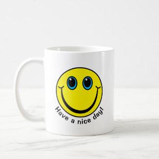 Caneca De Café O smiley face tem um dia agradável