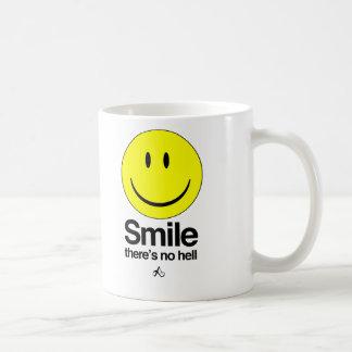 Caneca De Café O sorriso lá não é nenhum inferno