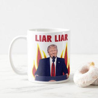 Caneca De Café O trunfo promete o mentiroso do mentiroso