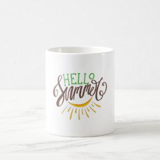 Caneca De Café Olá! ilustração pintado mão do verão