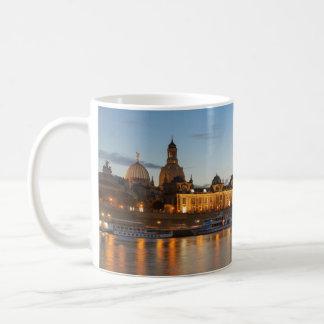 Caneca De Café Opinião de Dresden Elbe