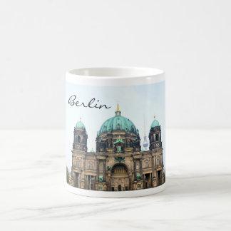 Caneca De Café Opinião do vintage da catedral de Berlim (os DOM