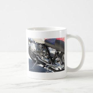 Caneca De Café Opinião lateral cromada motocicleta do detalhe do