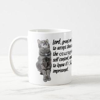 Caneca De Café Oração engraçada da serenidade com gatos
