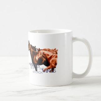 Caneca De Café Os cavalos emprestam-nos as asas que nós faltamos