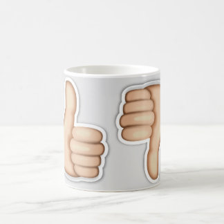 Caneca De Café Os polegares levantam o emoji
