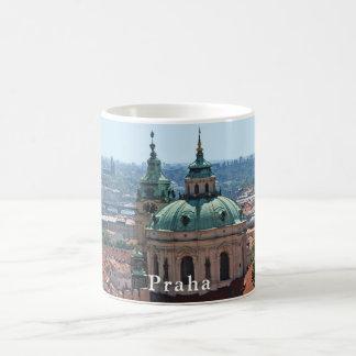 Caneca De Café Panorama de Praga e da igreja de São Nicolau