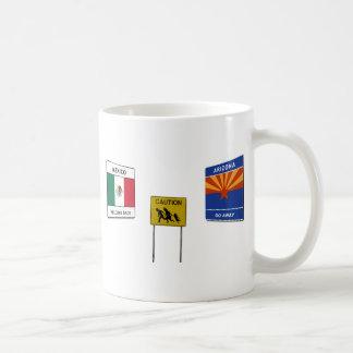 Caneca De Café Passagem fronteiriça ilegal do sinal