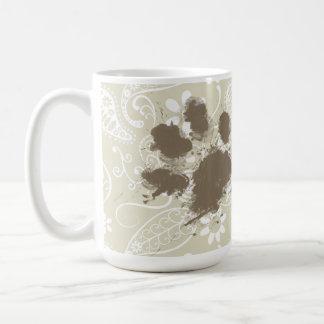 Caneca De Café Pawprint engraçado em Ecru Paisley
